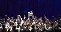 Lohengrin au cœur d'une société tyrolienne à l'Opéra d'État de Vienne