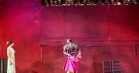Tableau cru des passions et de la marginalité : Carmen au Volksoper de Vienne