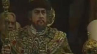 La scène du Couronnement dans Boris Godounov avec Evgeniy Nesterenko