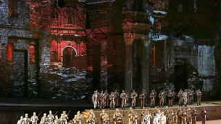 Or co'dadi, ma fra poco (Le Trouvère, Verdi) - Chœur du Metropolitan Opera House