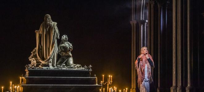 Faust tenté dans le faste tentant du Royal Opera House au cinéma