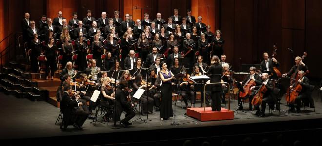 L'offrande musicale de Pâques d'Alondra de la Parra : le cor des voix