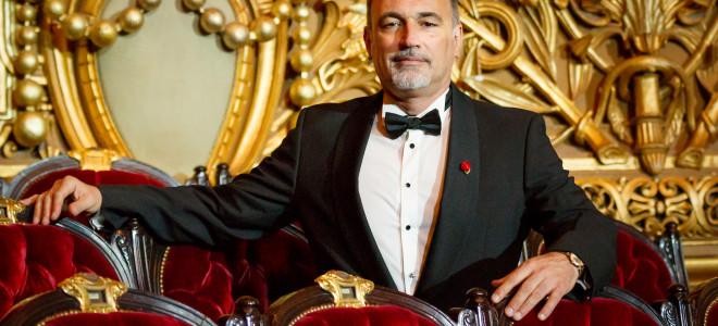 Le chef des chœurs de l'Opéra de Paris rejoint son Directeur à Naples