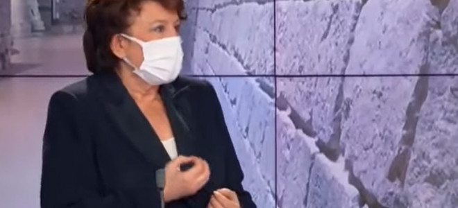 Roselyne Bachelot atteinte de Covid-19 est hospitalisée