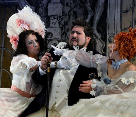 La Cenerentola par Jean-Pierre Ponnelle - Rosa Bove, Nicola Alaimo & Rebeca Olvera