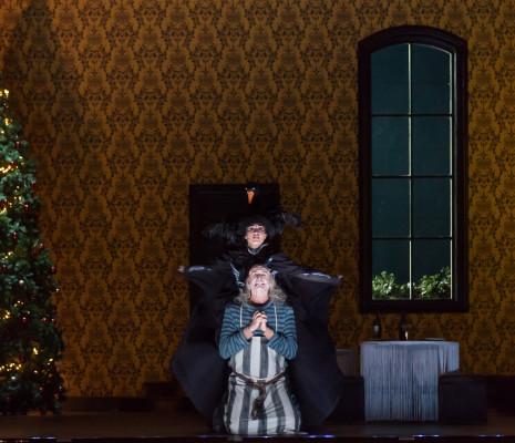 Anne-Catherine Gillet (Angèle) et Laurent Kubla (Gil Perez) - Le Domino noir par Valérie Lesort et Christian Hecq
