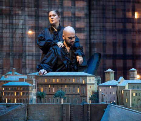 Eléonore Pancrazi & Mert Süngü - Lucrèce Borgia par Emilio Sagi