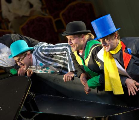 Gabriel Bermúdez, Michael Laurenz, Tobias Kehrer et Martin Mitterrutzner - Ariane à Naxos par Sven-Eric Bechtolf