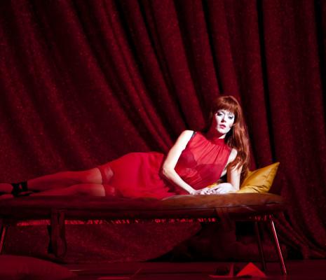 Barbara Hannigan interprète le rôle-titre de Lulu