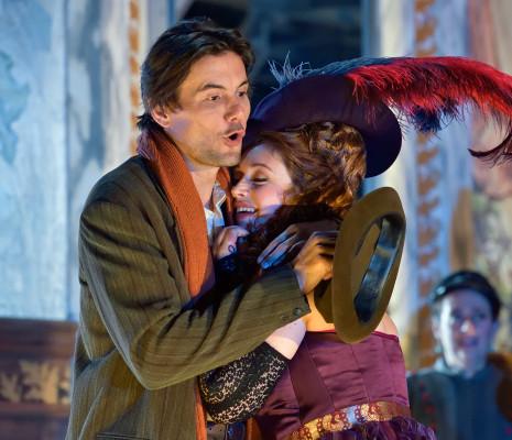 Marion Lebègue et Christian Helmer dans Madame Favart