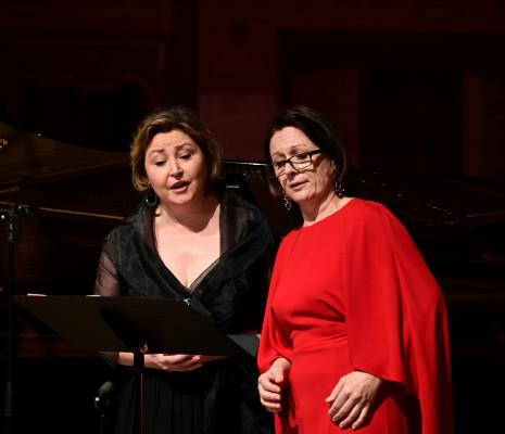 Karine Deshayes, Delphine Haidan