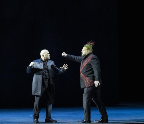 Christopher Maltman et Brian Mulligan dans Œdipe par Wajdi Mouawad