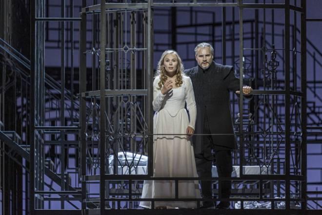 Elsa Dreisig & Nicolas Testé - Les Puritains par Laurent Pelly