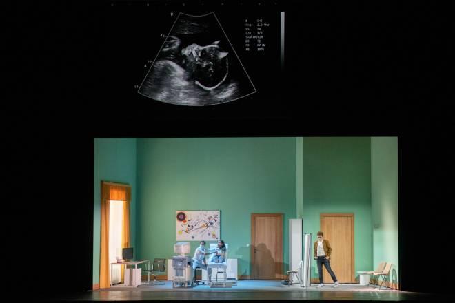 Ermonela Jaho et Michèle Losier - Faust par Tobias Kratzer