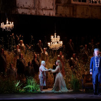 Maxim Mironov et Salome Jicia dans La Dame du Lac