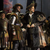 Maxime Melnik et Marko Mimica dans Anna Bolena