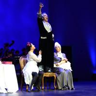Sen Guo, Carlos Chausson et Irène Friedli dans La Cenerentola par Claudia Blersch