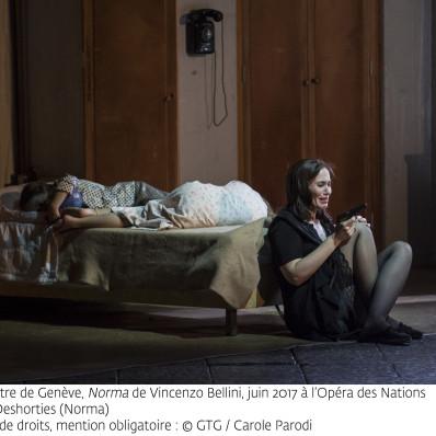 Norma, Alexandra Deshorties