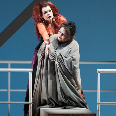 Lioba Braun et Elena Pankratova dans Elektra par Ruth Berghaus
