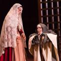 Elodie Hache et Svetlana Lifar dans Les Dialogues des Carmélites