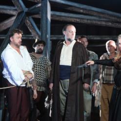 Ruxandra Donose, Marc Laho et Wojtek Smilek dans Norma