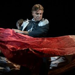 Roberto Alagna - Adriana Lecouvreur par Davide Livermore