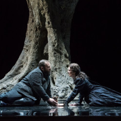 Michael König (Siegmund), Daniela Sindram (Sieglinde) - La Walkyrie par Nicolas Joël