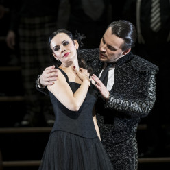 Anna Goryachova & Francesco Meli - Carmen par Barrie Kosky