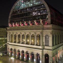 Extérieur nuit Opéra de Lyon