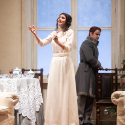 Valentina Naforniţă & Dmytro Popov - Iolanta par Tcherniakov