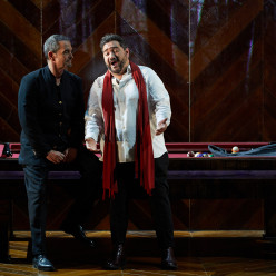 Vicenç Esteve et René Barbera - La Traviata par Paco Azorín