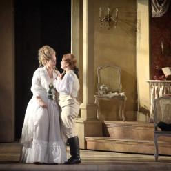 Vannina Santoni & Eléonore Pancrazi - Les Noces de Figaro par James Gray