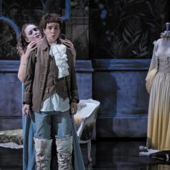 Albane Carrère, Tamara Bounazou et Chloé Chaume dans Les Petites noces