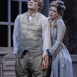 Gilen Goicoechea et Chloé Chaume dans Les Petites noces