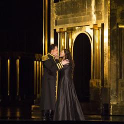 Radvanovsky et Antonenko dans Aida
