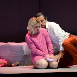 Ausrine Stundyte et Laurent Naouri dans L'Ange de feu