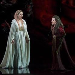 Varduhi Abrahamyan et Mariella Devia dans Norma