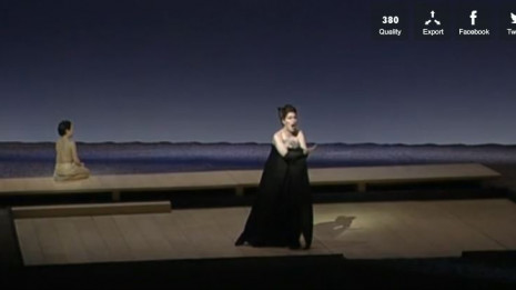 Barker dans Madame Butterfly mis en scène par Wilson